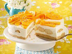 Mango-Tiramisu-Torte mit Haselnuss-Krokant