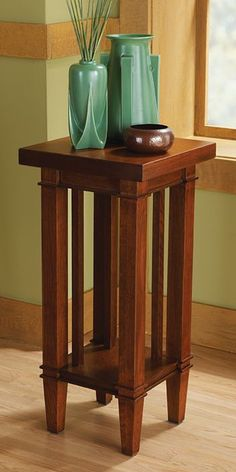 Craftsman Influence - Plant stand reproduced from Frank Lloyd Wright's original design for the Susan Lawrence Dana House (Springfield, Illinois, -- Reproduction vases (Teco Four Buttress Vase & Teco Rocket Vase) Craftsman Style Furniture, Mission Style Furniture, Craftsman Style Homes, Craftsman Decor, Arts And Crafts Furniture, Wood Furniture, Furniture Design, Jugendstil Design, Art And Craft Design