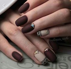 7 Beautiful Nail Ideas For This Fall ! Be Inspired by these smooth designs full of Autumn Life ! #Nail Inspiration |Follow SoFlo Cases