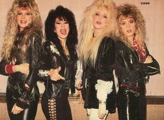 Fille Heavy Metal, Heavy Metal Girl, Heavy Metal Fashion, Heavy Metal Style, 80s Hair Metal, Hair Metal Bands, 80s Hair Bands, 80s Party Outfits, Rock Outfits