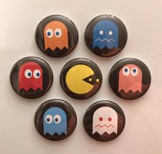 Pacman 1 Magnets - set of 7 Pacman Magnets - set of 7 by TheFinickyFoxes on Etsy Rock Painting Patterns, Rock Painting Ideas Easy, Rock Painting Designs, Paint Designs, Canvas Patterns, Pebble Painting, Pebble Art, Stone Painting, Rock Crafts