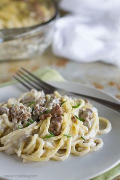 Baked spaghetti with beef and blue cheese