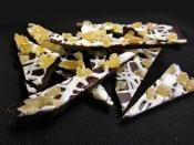 CHOCOLATE CANDIED GINGER BARK: Dark chocolate, white chocolate and candied ginger  #chocolate #CandyBark