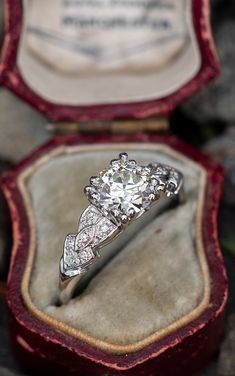 Detailed Vintage Diamond Engagement Ring. Sku EJ17321. White Gold Wedding Bands, Wedding Band Sets, Wedding Rings Vintage, Cushion Cut Engagement Ring, Engagement Rings Round, Vintage Engagement Rings, Vintage Diamond, Amethysts, Perfect Man