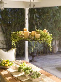 Kerzenlicht sorgt für romantische Stimmung.