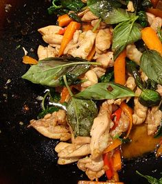 Fuss Free Cooking | Spicy Basil Chicken (Gka-Prow Gai) | http://www.fussfreecooking.com