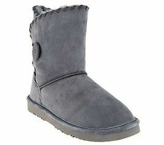 Keep your feet warm and dry this winter in these suede ankle boots!
