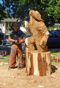 2012 World Class Chainsaw Carving Competition. Ken Sheen - Marguerite, B.C. www.HopeBC.ca. Photo Courtesy of The Hope Standard