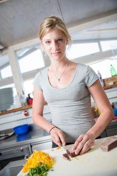 Making of the Tuna-Papaya Salad Tuna, Entrees, Salad, Food, Environment, Meal, Essen, Salads, Hoods