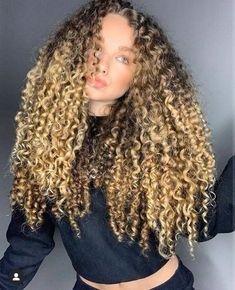 Hair Places, Look Girl, Hair Again, Hair Color And Cut, Soft Curls, Dye My Hair, Perm, Hair Inspo, Cute Hairstyles