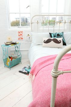 urban outfitters / bedroom