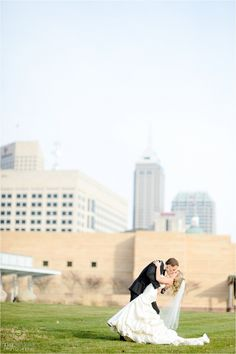 Sarah + Ben | Wedding Reception. Photos by The Siners Photography. #IndianaStateMuseum