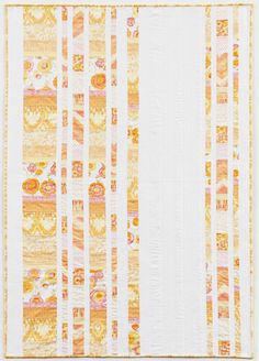 I'm getting a fat quarter idea from this picture Quilting Tutorials, Quilting Ideas, Quilting Designs, Backing A Quilt, Tie Quilt, Orange Quilt, Yellow Quilts, Quilt Patterns Free, Free Pattern