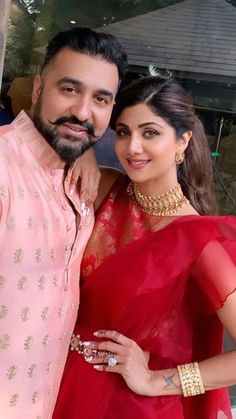 Bollywood actress and diva Shilpa Shetty is on cloud 9 these days . Event Dresses, Bridal Dresses, Handsome Celebrities, Indian Wedding Bride, Churidar Designs, Indian Bridal Outfits, Shilpa Shetty, Beautiful Gif, Most Beautiful Indian Actress