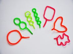 Ideas for DIY bubble wands  http://www.momtastic.com/home-and-living/features/167857-diy-bubble-wands