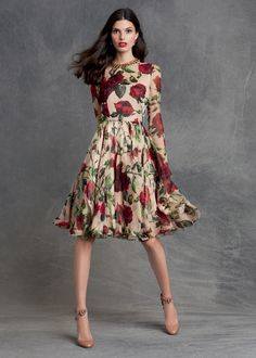 The rose is one of the most symbolic of all flowers and Dolce&Gabbana make it live on beautiful dresses and accessories that will easy take you from summer into fall. ‪#‎DGROSE‬ Woman Pre-Fall 2015 Collection.