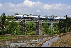 RailPictures.Net Photo: CC20168 and CC20151 PT Kereta Api Indonesia GE U18C at Bumiayu, Brebes, Central Java, Indonesia by Ian Antono