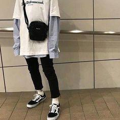 looks awesome..! #winterkoreanfashion Fashion Male, Korean Fashion Trends, Korean Street Fashion, Look Fashion, 90s Fashion, Fashion Outfits, Fashion Boots, Cheap Fashion, Fashion Styles