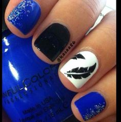 feather nails simple nail designs I like the feather since you can actually tell… New Nail Designs, Black Nail Designs, Art Designs, Blue Nails, White Nails, Glitter Nails, Feather Nails, Trendy Nail Art, Super Nails