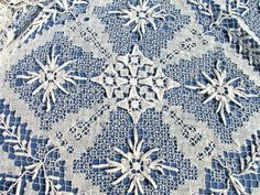 Finely Worked Vintage French Filet Lace Petite Tablecloth C 1930 | eBay http://pinterest.com/nfordzho/dream-wedding/