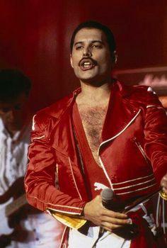 one of my favorite costumes on Freddie