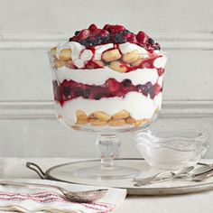 Trust us: You'll be using these easy trifle recipes throughout the holiday season. It's one of the creamiest Christmas desserts there is. Find a new favorite trifle idea right here, from no bake recipes to holiday ones. Raspberry Trifle, Fruit Trifle, Trifle Desserts, No Cook Desserts, Summer Desserts, Christmas Desserts, Just Desserts, Fruit Dessert, Trifle Cake