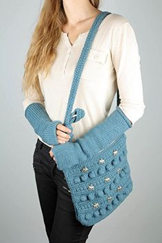 Knitted Bag And Mitts - I Crochet World Crochet World, Knitted Bags, American Girl, Bucket Bag, Knitting Patterns, Pendants, Detail, Sweaters, Accessories