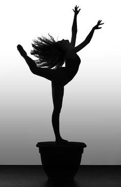 Nicole Ranieri, Beautiful Dancers On A Pedestal - Photos by Richard Calmes http://www.pbase.com/rcalmes - Ballet, балет, Ballett, Ballerina, Балерина, Ballarina, Dancer, Dance, Danza, Danse, Dansa, Танцуйте, Dancing