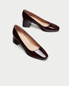 ZARA - WOMAN - MID HEEL FAUX PATENT COURT SHOES