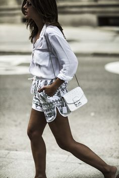 A PAIR OF SHORTS - Lovely Pepa by Alexandra. White blouse+printed shorts+shoulder bag+flats sandals. SS outfit 2016