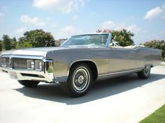 1969 Buick Electra 225 convertible:   I had the 1970 model; the thing was ENORMOUS!