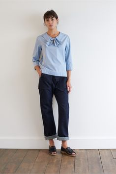 SPRING SUMMER 2018 – PALE BLUE COTTON CHAMBRAY POETS SHIRT, INDIGO DENIM TWILL WORKER JEAN MHL, BLACK LEATHER PEEP TOE GOLFER SHOE