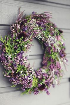 I love every season - (via Creative Garden) - Diy Fall Decor I love every season – (via Creative Garden) Source by marcoleopoldsed Fall Wreaths, Christmas Wreaths, Christmas Decorations, Deco Floral, Arte Floral, Corona Floral, Autumn Garden, Fall Flowers, Summer Wreath