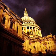 #StPaul's #Cathedral #London with #moody #skies #centralondon #kookylondon #architecture #liverpoolstreet #quirky #historical #freaky #kooky #weather #sunny #rainy #timeoutlondon #londonist get the #iphone #App here  https://itunes.apple.com/gb/app/kooky-london/id625209296?mt=8