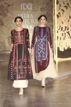 Complete collection: Anita Dongre at India Couture Week 2017 Indian Gowns Dresses, Pakistani Dresses, Modest Dresses, Anarkali, Lehenga, Churidar, Salwar Kameez, Sharara, India Fashion