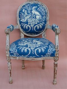 Brunswig & Fils toile de jouy fabric on French child's chair. Excellent centering of design on this small chair. Chinoiserie, Antique Chairs, Blue Rooms, French Decor, Upholstered Furniture, White Decor, Shades Of Blue, Upholstery, Shabby Chic