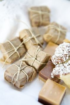 caramel shortbreads wrapped in brown paper with string in snow. Must do for gifts for the hoiliday.