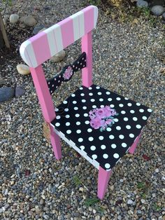 Idee per mobili funky – Recycled Furnitures Ideas Diy Garden Furniture, Repurposed Furniture, Kids Furniture, Antique Furniture, Furniture Design, Luxury Furniture, Furniture Movers, Furniture Stores, Cheap Furniture