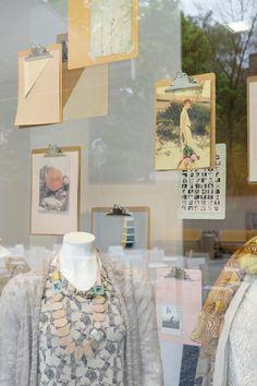 PULL-OVER 2014-VISUAL MERCHANDISING | WINDOW : PRINZTRÄGER | Rauminszenierung und Design - Foto: Bande – Für Gestaltung!