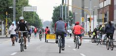 Ciclovia, Bogota's weekly street closure turns the roads into fully public space. Charles Montgomery, All Over The World, The Past, French Elections, Happy City, Feel Good Stories, Good Environment, Health Education, Looking Back