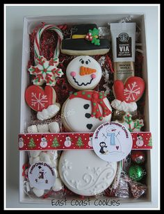 'Build your own Snowman' cookies Note- I now go by Coastal Cookie Shoppe Snowman Cookies, Christmas Sugar Cookies, Christmas Sweets, Noel Christmas, Christmas Goodies, Holiday Cookies, Christmas Baking, Christmas Cookies Packaging, Christmas Cakes
