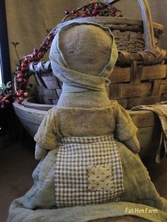 Fat Hen Farm - Primitive Rag Doll - Early Homespun 1 of 3
