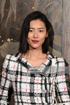 Liu Wen attends the photocall of the Chanel Metiers d'art China People, Liu Wen, Face Reference, Beautiful Asian Women, Hair Today, Star Fashion, Asian Woman, Style Icons, Supermodels