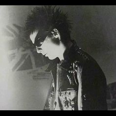 Download every Sex Pistols track @ http://www.iomoio.co.uk  http://www.iomoio.co.uk/bonus.php