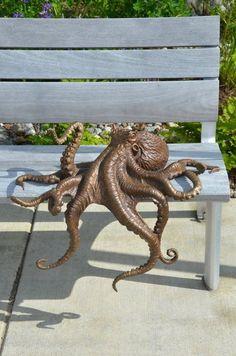 tentacles statue