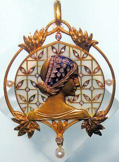 Art Nouveau Plique-à-Jour Enamel, Diamond, Pearl, and Gold Maiden Brooch by Lluís Masriera Rosés, Barcelona