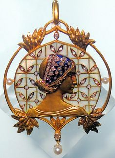 Art Nouveau Plique-à-Jour Enamel, Diamond, Pearl, and Gold Maiden Brooch by Lluís Masriera Rosés, Barcelona