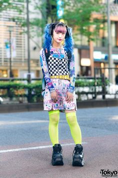 Harajuku Girl's Graphic Street Style w/ Blue Twin Tails, Checkered Top, Manga Skirt, Neon Fishnets, Sprayground Backpack & Demonia Platforms Black Hair Bows, Fishnet Socks, Harajuku Girls, Tokyo Fashion, Black Platform, Kawaii Fashion, Printed Sweatshirts, Lace Up Shoes