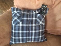 Love the idea of these memory shirt pillows from Rustic Painting and crafts