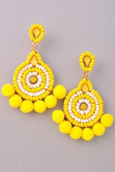 Jewelry Earrings Tulum Seed Bead Earring in Canary - OMG these woven tassel earrings are AMAZING - Pair them with any and everything - Simply fantastic , so unique and so simple. Bead Embroidery Jewelry, Beaded Jewelry Patterns, Fabric Jewelry, Beaded Embroidery, Beading Patterns, Pink Earrings, Seed Bead Earrings, Beaded Earrings, Statement Earrings
